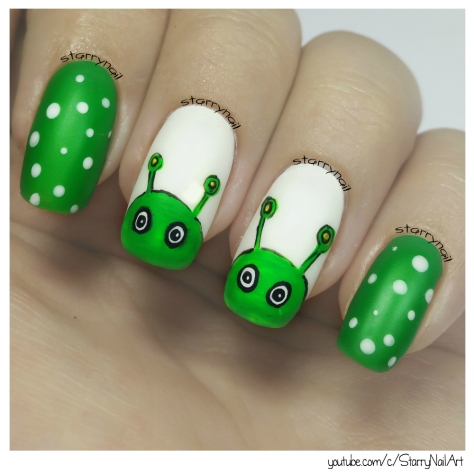 Easy Green Aliens [Freehand Nail Art]