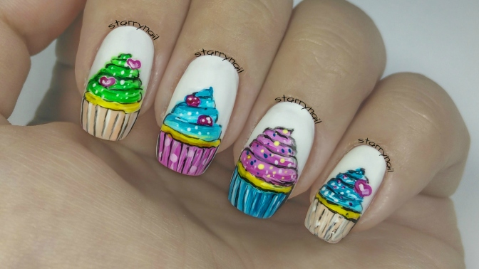 Cupcakes [Freehand Nail Art]